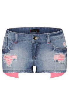 Zerrissene Jeans-Short mit pinken Taschen