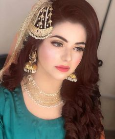 Mehndi bride❤ Pakistani Bride Hairstyle, Pakistani Wedding Outfits, Pakistani Wedding Dresses, Bridal Outfits, Pakistani Bridal Makeup Hairstyles, Pakistani Hair, Nikkah Dress, Shadi Dresses, Prom Dresses