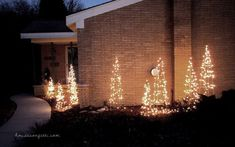 DIY outdoor Christmas decor made from tomato cages and lights.use different heights Holiday Tree, Holiday Lights, Christmas Lights, Christmas Trees, Christmas Garden, Christmas Decorations For The Home, Xmas Decorations, Christmas Projects, Holiday Decorating
