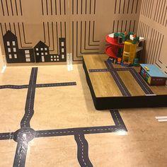 """@specialpedagogik_i_forskolan på Instagram: """"En av våra lärmiljöer som den ser ut just nu. Bilar brukar alltid väcka intresse. För att utveckla leken har vi tillfört vägar och utifrån…"""" Block Center, Reggio Emilia, Montessori, Kindergarten, Environment, Learning, Transportation, Instagram, Green"""
