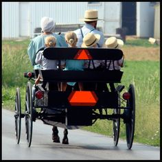 Amish Family out to visit friends and family on Memorial Day in Lancaster County, PA