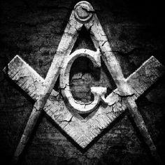 Free masons Square  Compass