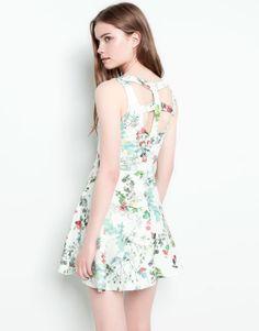 :OPEN BACK FLORAL DRESS