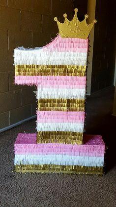 1st birthday Princess theme p Piñata
