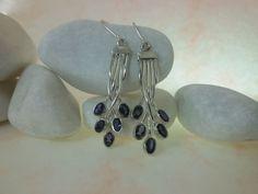 Pendientes de plata y Iolita, zafiros de agua.