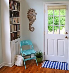 If you want to have a little bit of seaside beauty in your home, check out these amazing home décor ideas and DIY projects that will bring the beach to your house! Sea glass vases, a driftwood mirror, a knot rope lamp, and more -- all of these ideas are so cool! Even those in land-locked states can enjoy a piece of the sea thanks to these gorgeous ocean-inspired items.