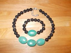 Chunky agate and magnesite necklace and bracelet £20.00