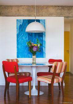 10-decoracao-sala-jantar-integrada-mesa-redonda-concreto