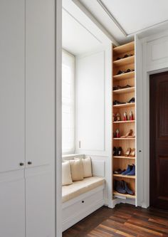 40 diy wood project home decorations from smart closet designs to console ta Wardrobe Design Bedroom, Closet Bedroom, Bedroom Decor, Home Entrance Decor, Diy Home Decor, Home Room Design, Home Interior Design, Smart Closet, Shoe Closet