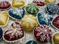 Make in cookie form with shortbread cookies 3d Christmas, Christmas Balls, Christmas Cookies, Xmas, Shortbread Cookies, Cake Cookies, Cookie Box, Wonderful Time, Cookie Decorating
