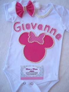 Body Princesa bordado com Perolas Baby Girl Birthday Dress, Cute Newborn Baby Girl, Robes Tutu, Baby Gown, Knitting Videos, Baby Makes, Diy Clothes, Baby Gifts, Kids Outfits