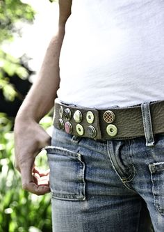 Beautiful belt with many chunks! Jean Shirts, Fashion Details, Ideas Para, Amsterdam, Belts, Diamonds, Jewels, Jewellery, Denim