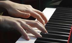 """Groupon - Cours de piano en ligne avec le pianiste Franck de Lassus, abonnement """"VIP"""" à 29,90 € (54 % de réduction) à [missing {{location}} value]. Prix Groupon : 29,90€"""