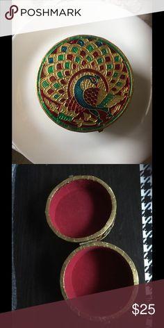 Hand made jewewlry box Beautiful hand made jewewlry box Accessories