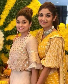 Stylish Blouse Design, Fancy Blouse Designs, Saree Blouse Designs, Blouse Patterns, Dress Designs, Indian Designer Outfits, Designer Dresses, Designer Sarees, Shilpa Shetty Saree