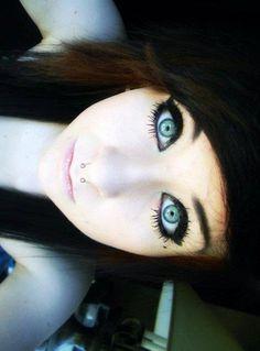Love her eye makeup!!! :D