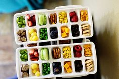 So brilliant! Using ice cube trays to store toddler snacks.