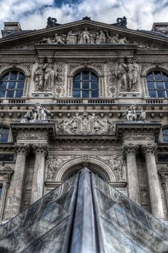 The Louvre, the Most Famous Museum in World | Amazing Snapz