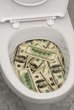Você vai ao banheiro, você tem que pagar. Em 2004, para proteger as águas próximas, Maryland, nos EUA, instituiu o imposto da descarga. Todos os donos de sistemas sépticos passaram a pagar uma taxa adicional para o tratamento de esgoto – os fundos são revertidos a novos tratamentos sépticos que reduzem o nitrogênio da água tratada, impedindo colapso em ecossistemas.