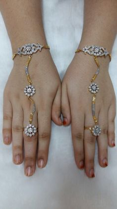 Bracelt with ring Gold Finger Rings, Gold Rings, Hand Jewelry, Jewelry Bracelets, Plain Gold Bangles, Indian Jewelry Sets, Hand Bracelet, Jewelery, Gold Jewellery