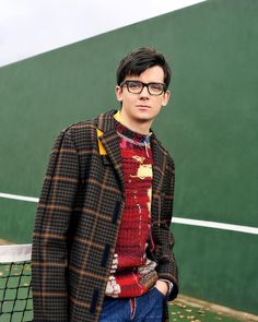 Actor Asa Butterfield attends the Build Series to discuss Asa Buterfield, Babe, Nick Robinson, Foto Casual, Male Magazine, British Actors, Hollywood Celebrities, Pretty Boys, Celebrity Crush