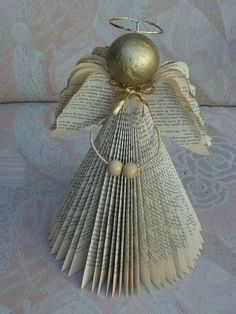 100 Creative Christmas Decor for Small Apartment Ideas Which Are Merry & Bright - Hike n Dip Even if you have a small Apartment, you can decorate it for Christmas. Here are Christmas Decor for Small Apartment ideas, that are c Old Book Crafts, Book Page Crafts, Diy And Crafts, Christmas Crafts, Christmas Decorations, Paper Crafts, Christmas Ornaments, Geek Crafts, Decor Crafts