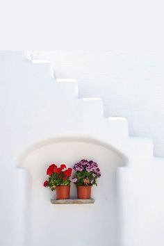 Greece - Beauty in Simplicity Mediterranean Architecture, Mediterranean Style, Beautiful Islands, Beautiful Places, Simply Beautiful, Deco Boheme, Greece Islands, Light Spring, Spring Colors