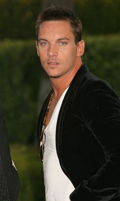"""Jonathan Rhys Meyers - our resident bad boy we just love to love... known for his role in """"The Tudors - King Henry VIII"""" his eyes are to die for as well! where are all these men that look like this and have this colour eyes?????? send one my way please!"""