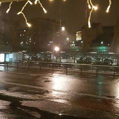 Hej Göteborg. Bara så du vet har resten av landet bestämt sig för att det är vinter! SNÄLLA sluta regna.