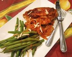 Spanish Chicken with Green Beans Spanish Chicken, Chicken Green Beans, Poultry, Seafood, Beef, Cooking, Recipes, Sea Food, Backyard Chickens