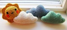 Here I leave a cloud pattern, very easy to do, ideal for beginners … - Knitting Projects for Beginners Crochet Wool, Crochet Beanie, Love Crochet, Crochet Gifts, Learn To Crochet, Knitting Projects, Crochet Projects, Crochet Decoration, Crochet Patterns For Beginners