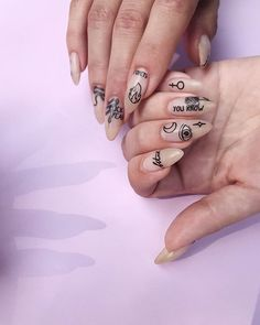 Monochrome nail tattoos from Simple, Illusion & Flores sets nail trends 20182019 - nails Light Pink Nail Designs, Light Pink Nails, Nail Art Designs, Nails Design, Trendy Nails, Cute Nails, Hair And Nails, My Nails, Fall Nails
