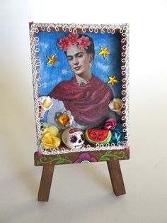 Viva La Vida Mexican Folk Art Mini Shadow Box. Frida Kahlo Mexican Nicho with Wooden Easel.