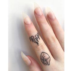 Finger Tattoo For Women, Finger Tattoos, Body Art Tattoos, Tattoos For Women, Clever Tattoos, Creative Tattoos, Cute Tattoos, Tatoos, Scar Tattoo