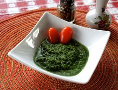 Indian Mint and Cilantro Chutney with Ginger | One Green Planet