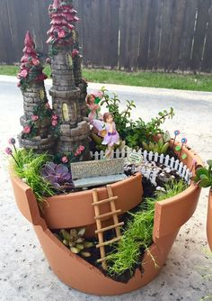 Gardening Love DIY Fairy Garden - what a fun springtime project to do with the kiddos! - Caden Lane's Katy Mimari is sharing a DIY fairy garden project with us today. All you need is a few terra-cotta pots, succulents and mini fairy accessories! Diy Garden, Garden Projects, Garden Posts, Fairy Gardening, Balcony Garden, Container Gardening, Miniature Fairy Gardens, Project Nursery, Succulents Diy