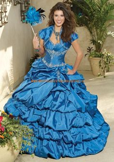 Luxuriöse Abendkleider Style 88022 Silky Taffeta with Embroidery and Beading