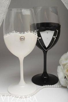 Bride and groom toasting glasses Wedding glasses for bride and groom Wedding toast glasses for bride Black Tie Wedding, The Wedding Date, Wedding Groom, Wedding Sets, Black Weddings, Wedding Toasting Glasses, Wedding Champagne Flutes, Toasting Flutes, Bridesmaid Glasses