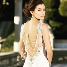 Sexy. Sparkling. Perfect. Double tap if you think @kittychencouture's LIBRA gown is top! #kittychen #ivoirebykittychen #bride  #bridalgown #bridetobe #weddingdress #fashion #dress #ido #effortless #chic #bridaldress #weddinggown #bridalstyle #bridalfashio