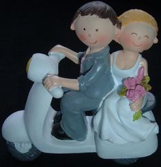 BRIDE & AND GROOM ON A LAMBRETTA VESPA SCOOTER WEDDING CAKE TOPPER DECORATION