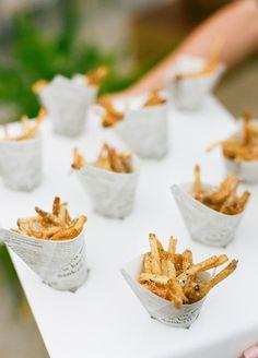 Winter Weddings - Cozy Ideas To Keep Your Wedding Guests Warm: #7. Comfort food