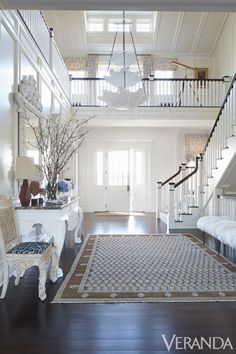 Entrance Hall Rugs Say Welcome - Design Chic Entry Stairs, Entry Hallway, Entrance Hall, Open Entryway, Entryway Decor, Beautiful Interiors, Beautiful Homes, Interior And Exterior, Interior Design