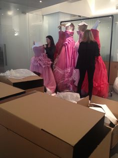 shipping to shanghai for fashion week