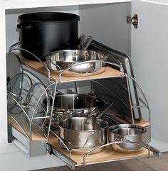 Perfect pull-out storage solution for pots and pans