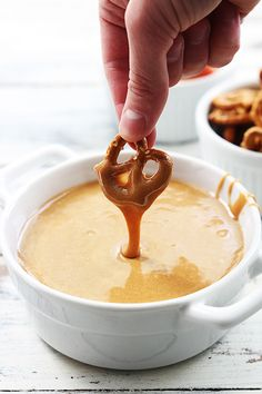 3 Ingredient Caramel Fondue ~ such a fun idea for a Holiday Fondue Party!