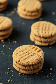 Honey-Peanut Butter Cookies - Ingredients:  1/2 cup butter flavored shortening (see note below) 1 cup creamy peanut butter 1 cup honey 2 large eggs, lightly beaten 2 teaspoons pure vanilla extract 3 cups Gold Medal all-purpose flour 1 cup sugar 1 1/2 teaspoons baking soda 1 teaspoon baking powder 1/2 teaspoon salt  1/2 cup of sugar for rolling dough balls