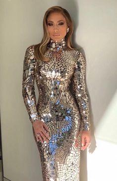 bca9f4ca681 Jennifer Lopez in Tom Ford attending the Oscars