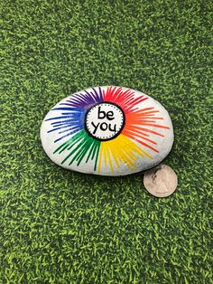 Rock Painting Ideas Discover Be You Rock Rainbow Rock Rainbow Painted Rock Words of Encouragement Stone Affirmation Rocks Painted Rock Be You Rainbow Painting Steen beschilderen Rock Painting Patterns, Rock Painting Ideas Easy, Rock Painting Designs, Paint Designs, Pebble Painting, Pebble Art, Stone Painting, Diy Painting, Acrylic Painting Rocks