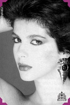 YAJAIRA VERA. MISS MIRANDA 1988. MISS VENEZUELA 1988. MISS GLOBE INTERNATIONAL 1988    A pesar de tener 27 años Yajaira Vera gana el concurso del Miss Venezuela, siendo la misma con más edad en ganar el concurso.