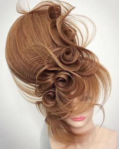 Hair artistry at its absolute finest! #MannequinMonday #PivotPoint #Repost Georgiy Kot